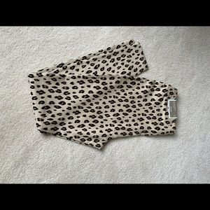 Adorable cheetah leggings